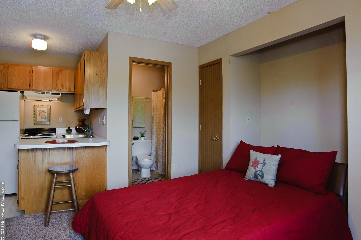 Campus Studio Apartments Pierce Properties Nwa