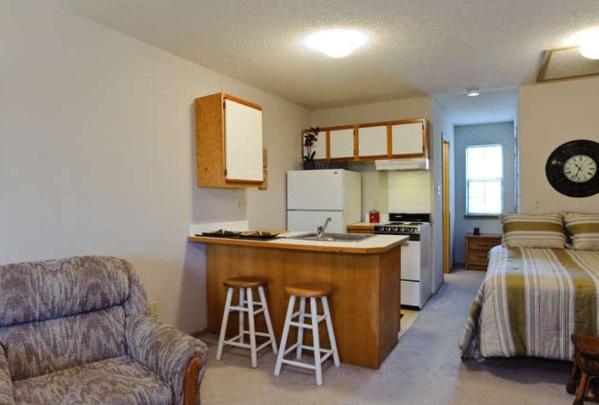 campus studio apartments pierce properties nwa. Black Bedroom Furniture Sets. Home Design Ideas